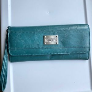 Kenneth Cole clutch / wallet